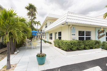 Sunny Shores Inn & Suites Lauderdale By The Sea