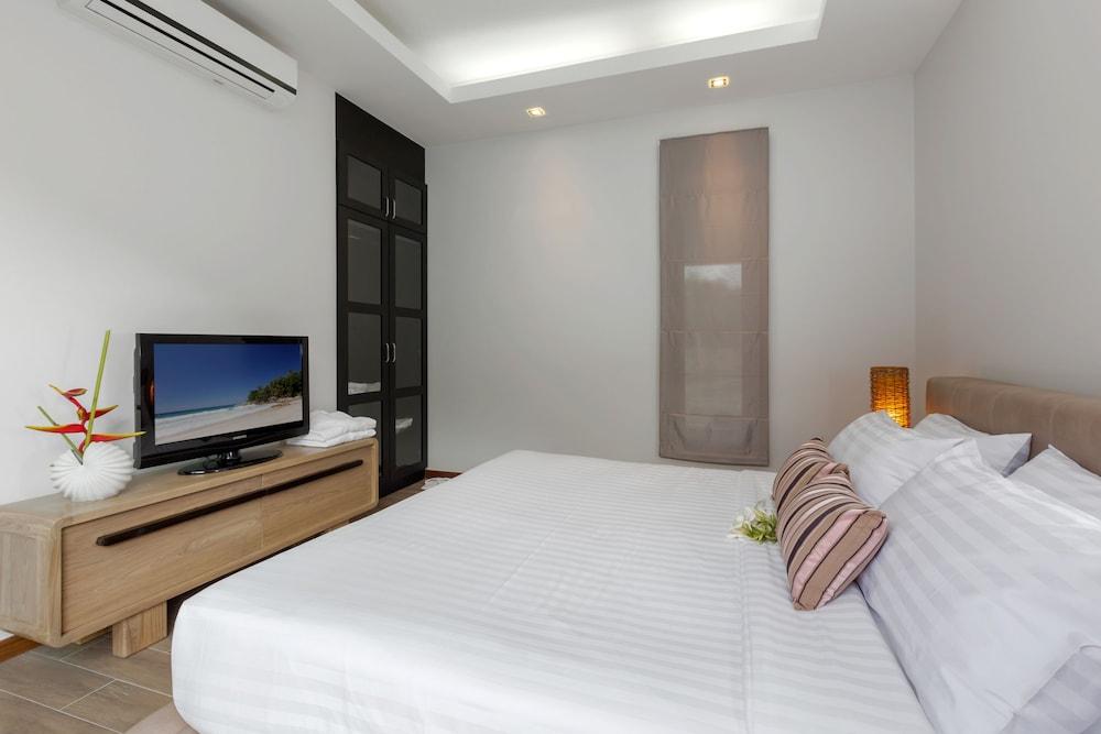 https://i.travelapi.com/hotels/16000000/15060000/15056200/15056127/4075fab5_z.jpg