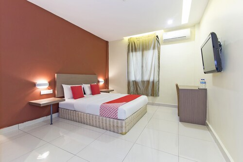 OYO 128 Archeotel Hotel,SENTUL PASAR