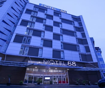 Hotel - Hotel 88 Kedoya Jakarta