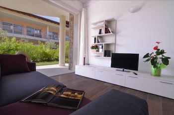 Sirmione Halldis Apartments - Living Room  - #0