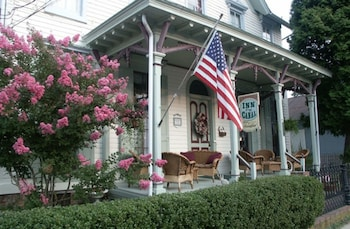 Hotel - Inn At The Canal Bed & Breakfast
