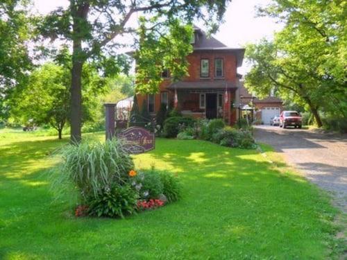 Homestead House Bed & Breakfast, Hamilton