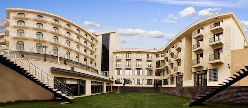 . Bayramoglu Resort Hotel