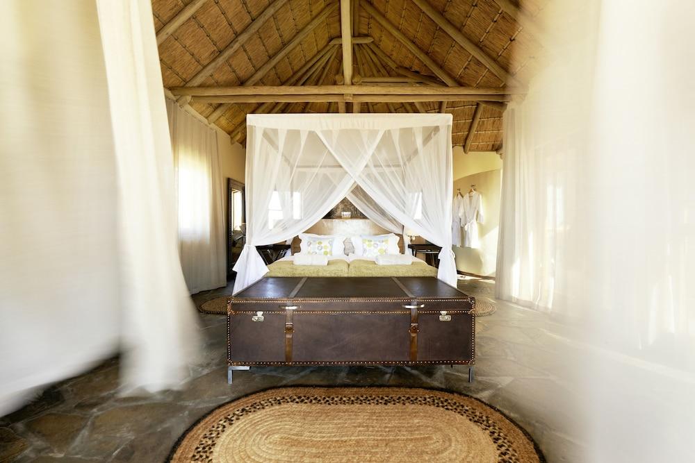 Sandfontein Lodge & Nature Reserve - All-Inclusive, Karas