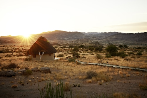 Sandfontein Lodge & Nature Reserve - All-Inclusive, Karas