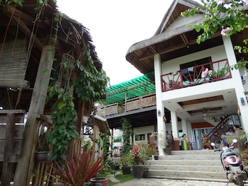 ROYAL PARADISE GUESTHOUSE Hotel Front