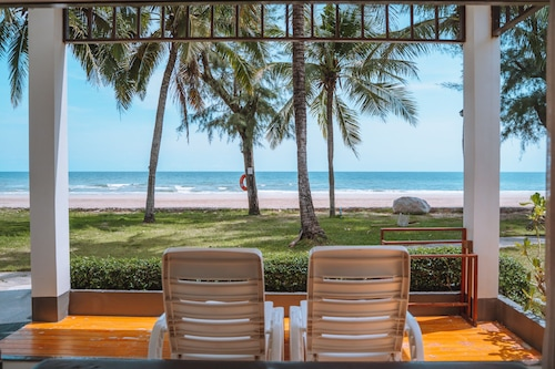 . Chaolao Tosang Beach Hotel