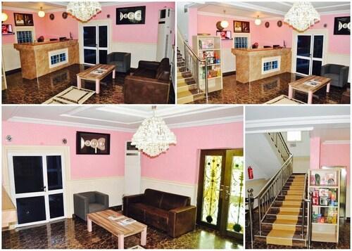 Ne-Yo Hotel and Suites, Oshimili North