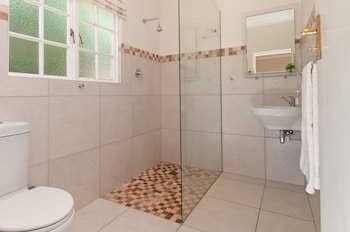 Cliff Cottage - Bathroom  - #0