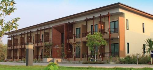. Villa Thiwa Hotel