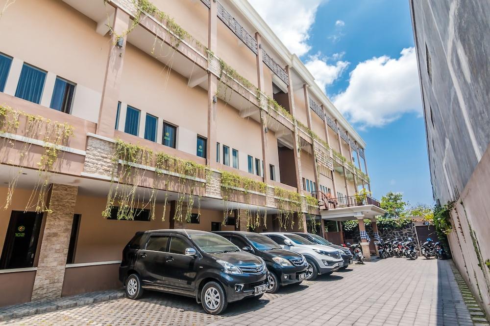 ZEN Rooms Denpasar Mahendradata