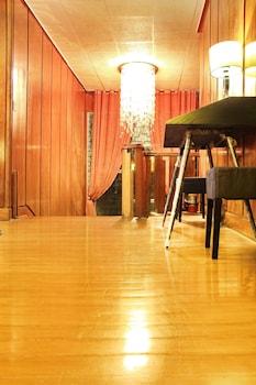 GRIFFIN LODGE Interior