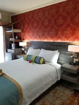 森斯柏克萊瓦納小酒館飯店 Sens Hotel & Vanne Bistro Berkeley