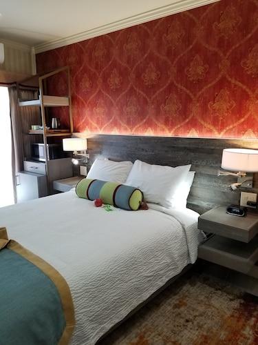 Sens Hotel & Vanne Bistro Berkeley, Alameda