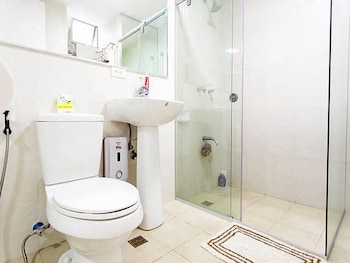 AVANT APARTMENTS AT THE FORT Bathroom