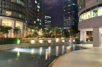 AVANT APARTMENTS AT THE FORT Outdoor Pool