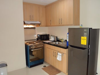 AVANT APARTMENTS AT THE FORT In-Room Kitchen