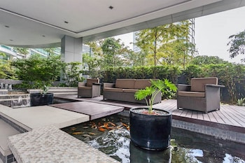 AVANT APARTMENTS AT THE FORT Terrace/Patio