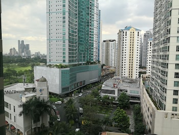 AVANT APARTMENTS AT THE FORT City View
