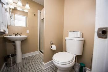 Villa on Meridian - Carriage House - Bathroom  - #0