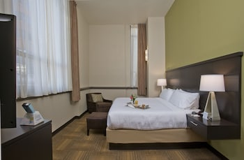 Suite, 1 Bedroom, Non Smoking (1 King Bed)