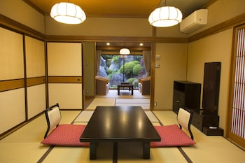 Japanese Traditional Standard Room, Garden View (No Single Use)