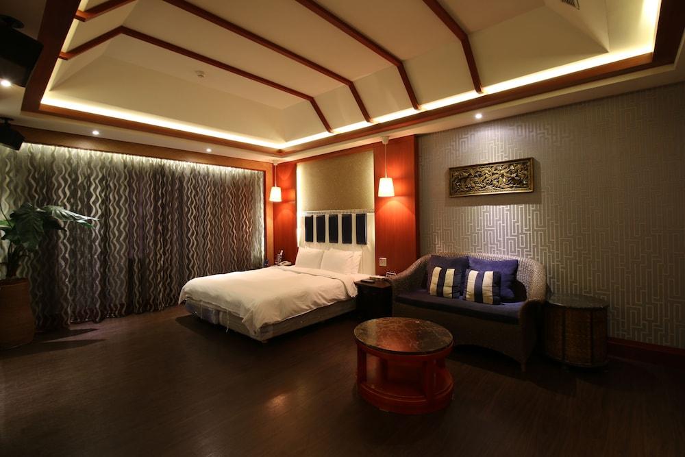 シーズンズ ブティック モーテル (四季精品旅館)