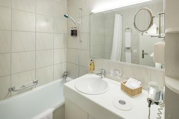 Kastanienbaum Swiss Quality Seehotel - Bathroom  - #0