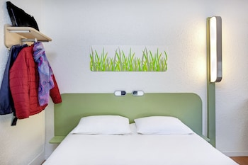Hotel - ibis budget Versailles Trappes