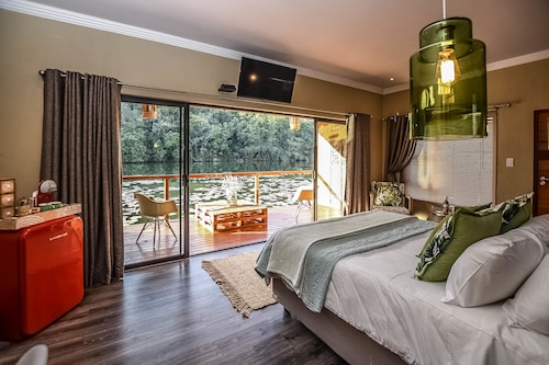__{offers.Best_flights}__ Bambuu Lakeside Lodge