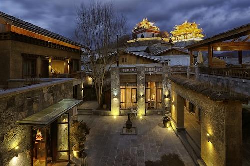 Arro Khampa by Zinc Journey Shangri-La, Dêqên Tibetan