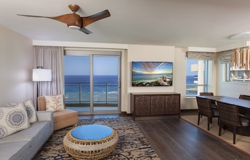 Penthouse, 3 Bedrooms, Accessible, Ocean View (Hearing, Floors 34-38)