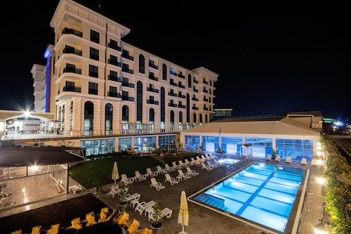 Budan Thermal Spa Hotel & Convention Center, Merkez