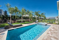 6 Bedroom Home Eastside, Private Pool