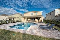 8 Bedroom Home Westside, Private Pool