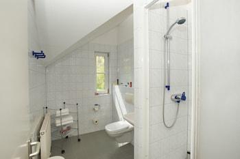 Hotel Erbgericht Krippen - Bathroom  - #0