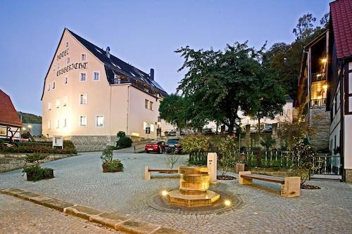 . Hotel Erbgericht Krippen