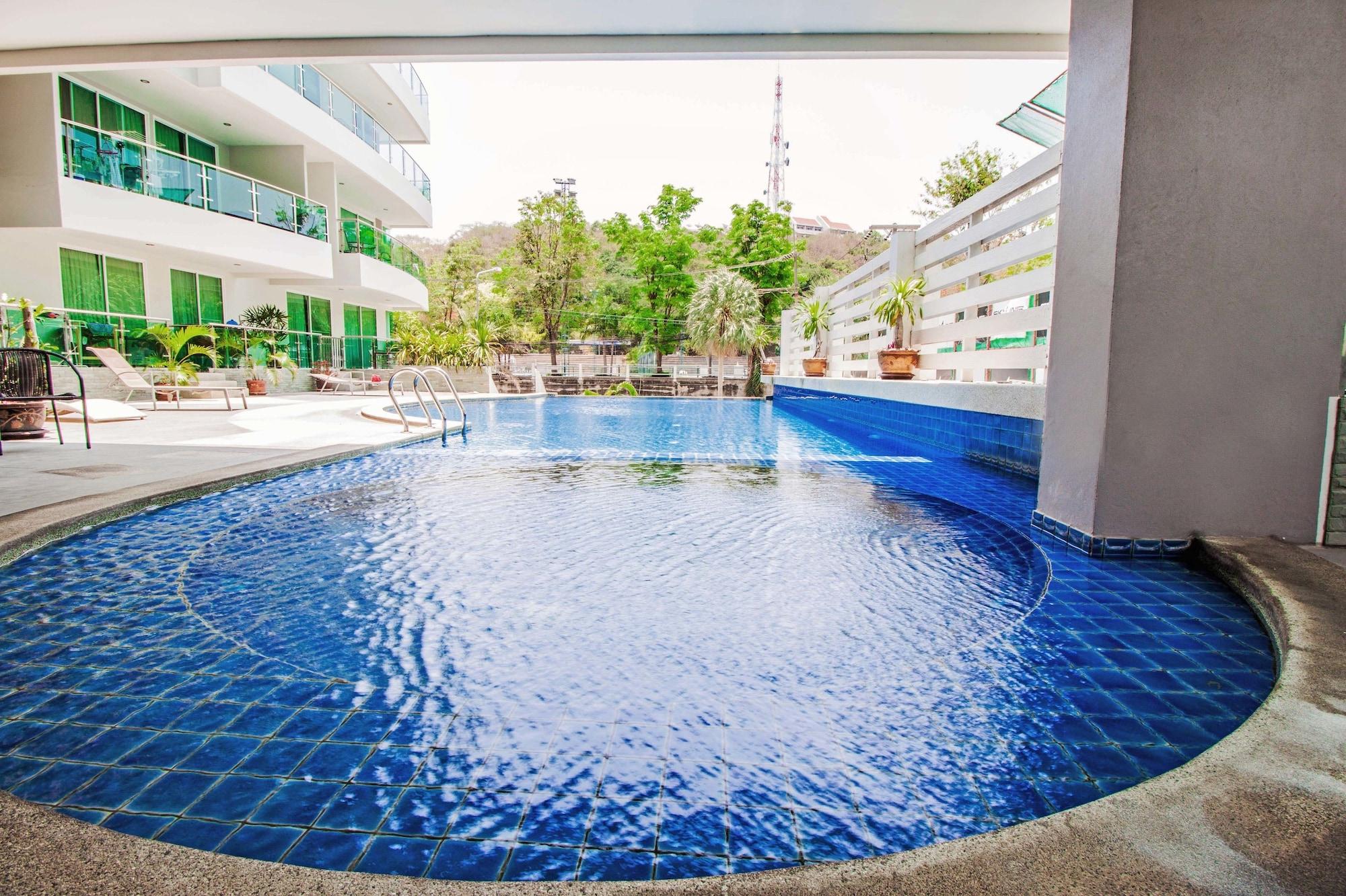 The Loft Pratumnak by Pattaya Sunny Rentals, Pattaya