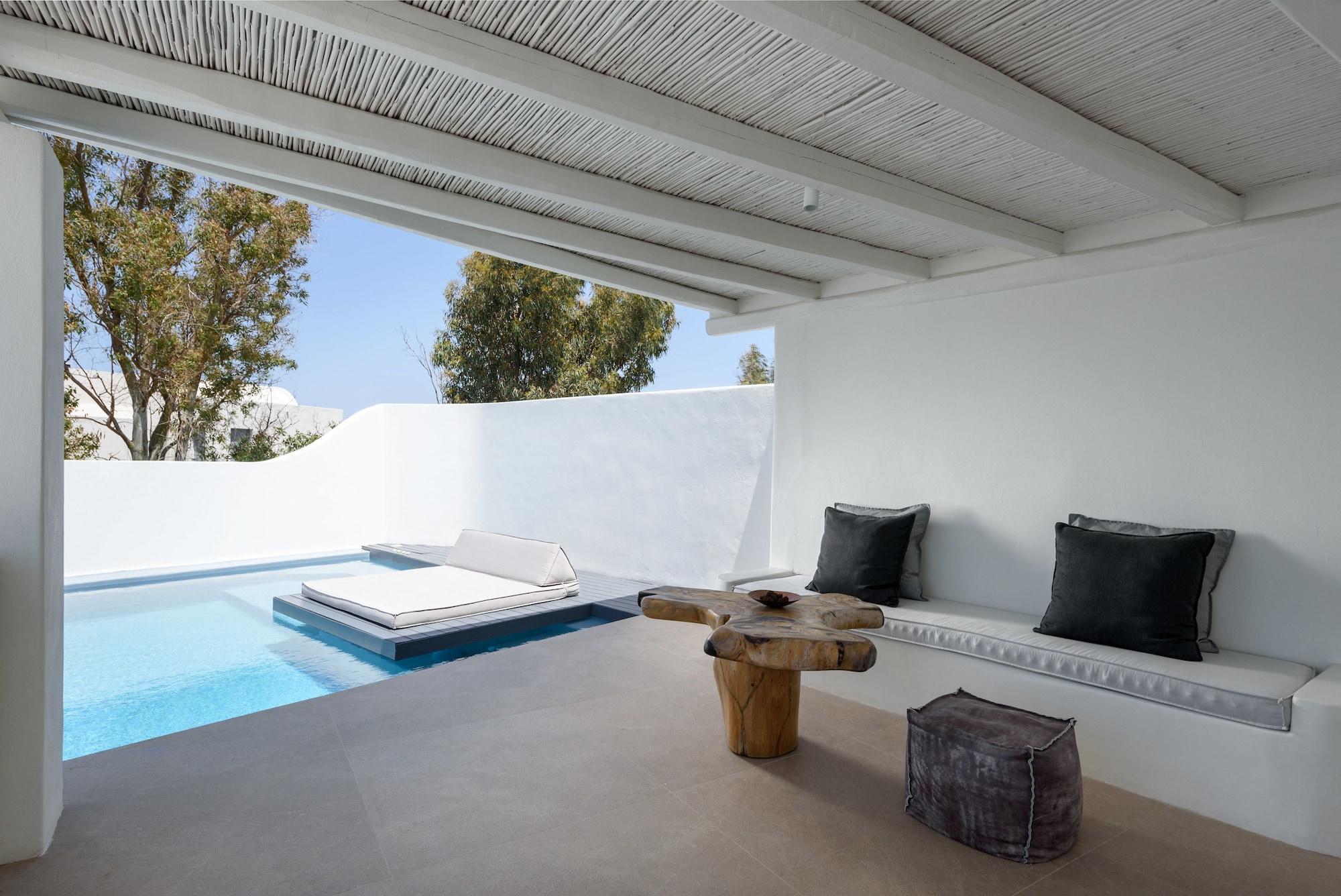 Honeymoon Pool Suite 2 pax