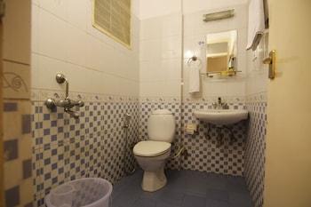 FabHotel Maruthi Domlur - Bathroom  - #0