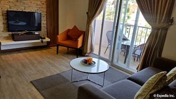 PRESTIGE VACATION APARTMENTS - BONBEL CONDOMINIUM Living Room