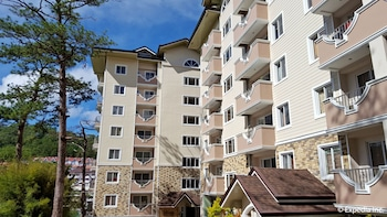 PRESTIGE VACATION APARTMENTS - BONBEL CONDOMINIUM Front of Property