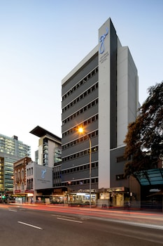 喬治威廉斯布里斯本飯店 George Williams Hotel Brisbane