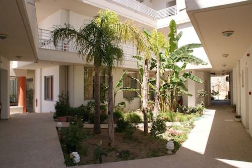 . Faliraki Dream Studios & Apartments