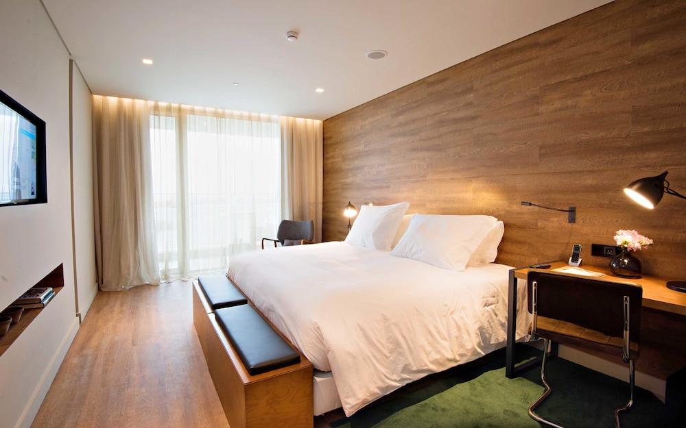 https://i.travelapi.com/hotels/16000000/15250000/15244400/15244399/6b33845f_z.jpg