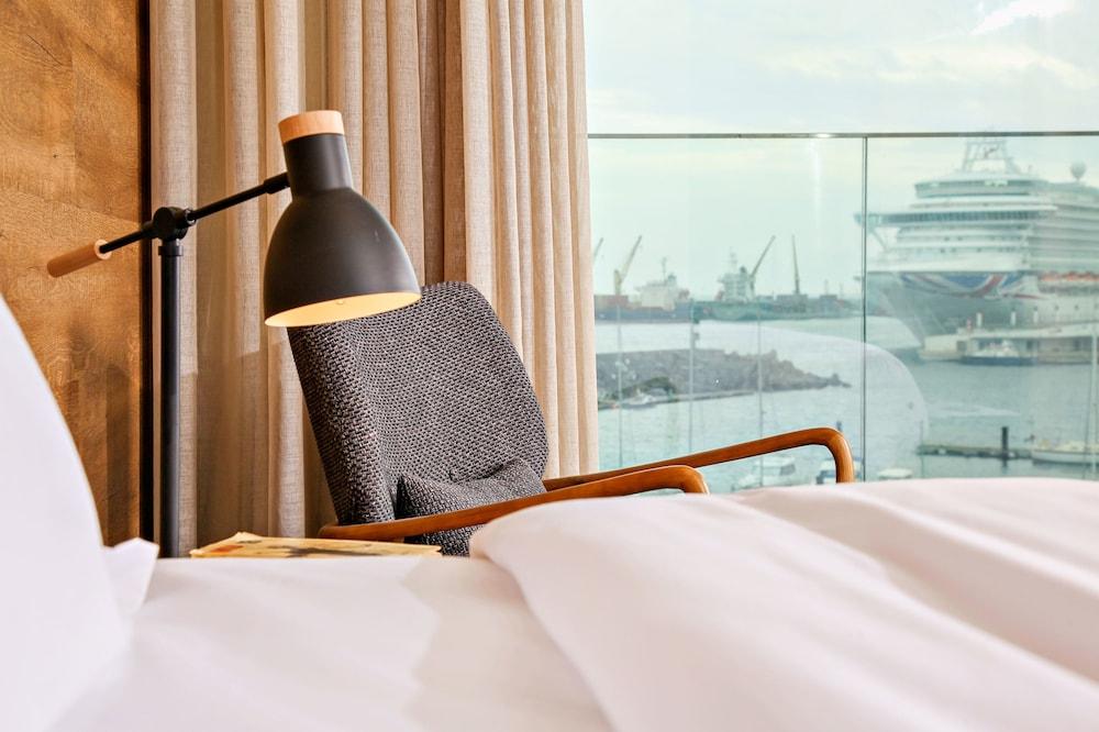 https://i.travelapi.com/hotels/16000000/15250000/15244400/15244399/c12c7314_z.jpg