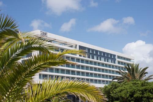 . Azor Hotel