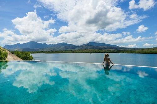 . Menjangan Dynasty Resort