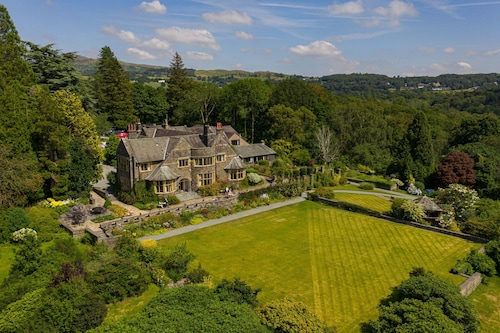 . Cragwood Country House Hotel